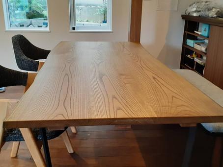 キハダのテーブル