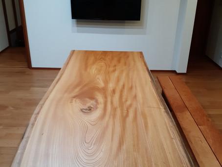 欅(けやき)一枚板ダイニングテーブルとブラックチェリーのベンチ