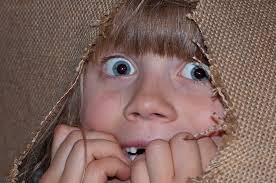cuando el miedo infantil es muy intenso, desagradable e interfiere en la vida cotidiana del niño puede precisar ayuda de un psicólogo infantil para superarlo