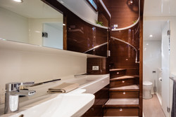 21m Owners Head Looking Aft