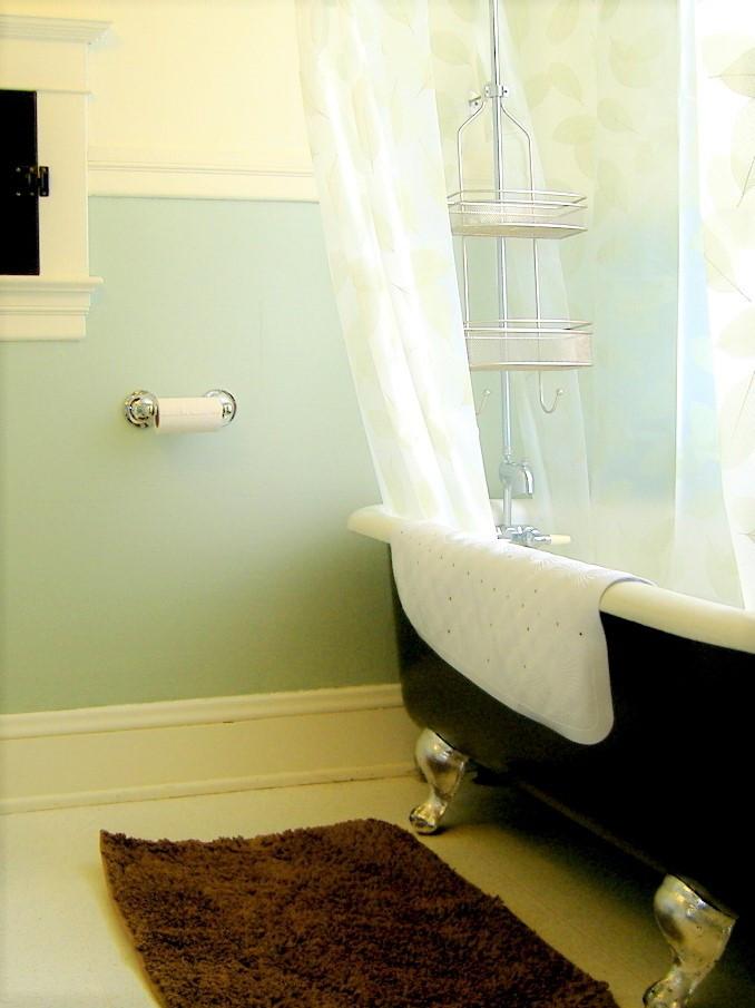 bathroom2 - Copy - Copy.JPG