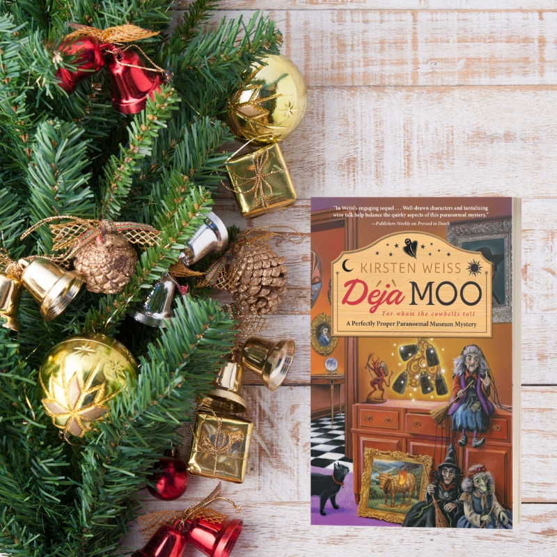 Deja Moo Christmas scene
