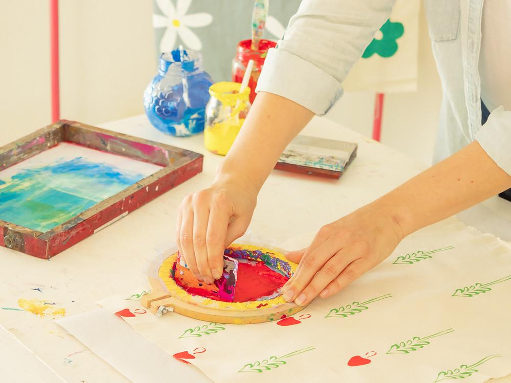 encontrar tu propio sello estampa artesanal serigrafia casera macondo labores y oficios