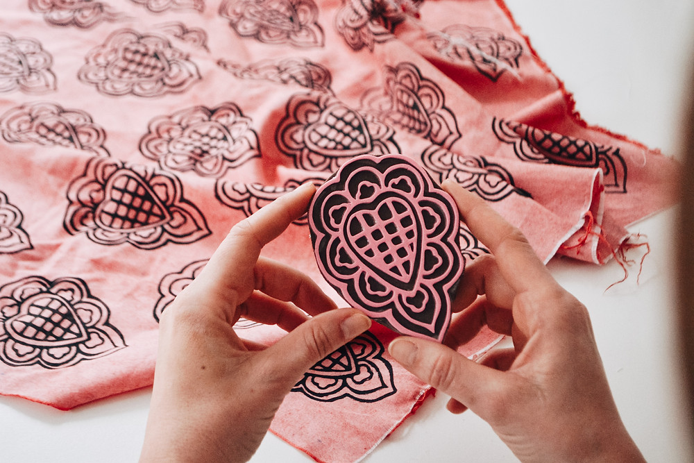 Sello artesanal estampa textil tela estampada