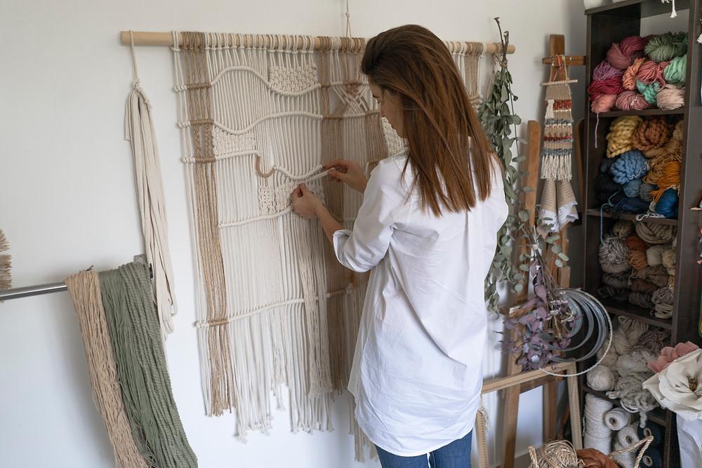 Barbie Caram macrame arte textil mujer creando