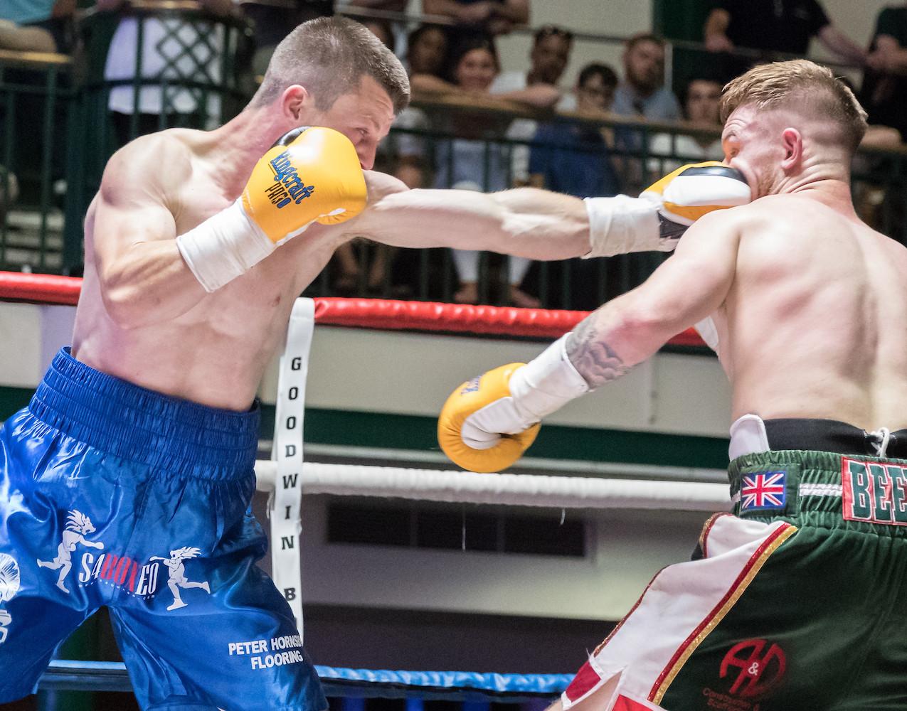 Liam Dillom vs Joe Beeden