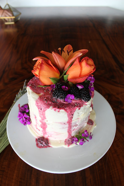 Specialty Cakes (6 inch/ 3 layer)