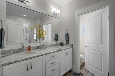 115 NE 7th Bathroom