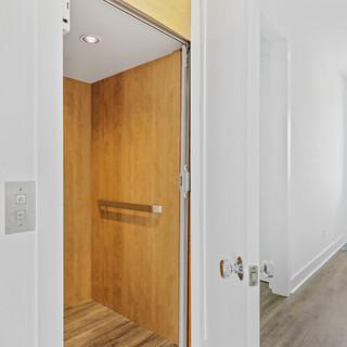 2724 W Pelican Elevator