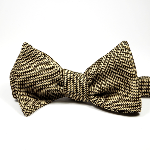 Nailshead Wool Bowtie (gold)