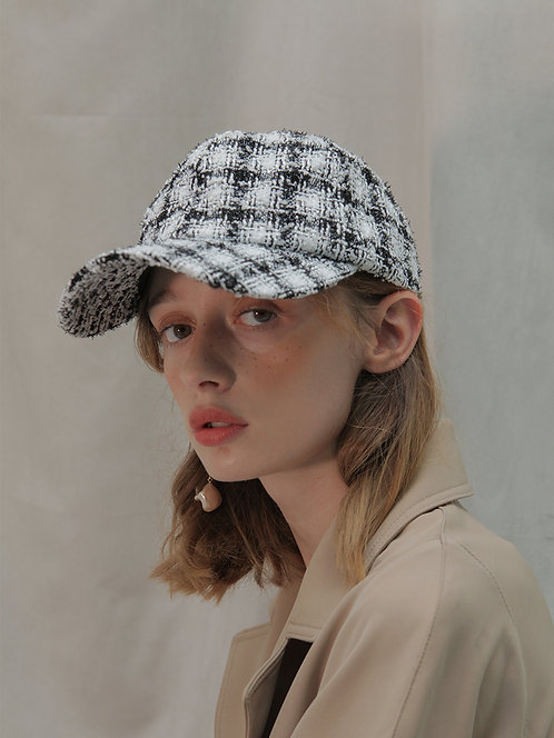 'Moonflower' tweed ballcap in BW