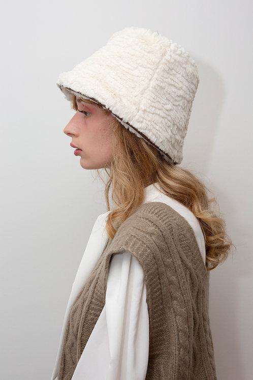 [In my dreams] Pure fur bucket hat