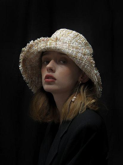 'Moonflower' tweed bucket in Beige