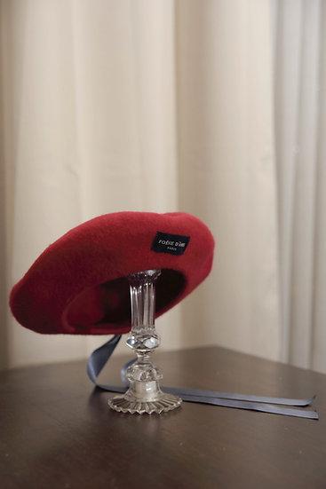 'Parfum d'hiver' Beret red