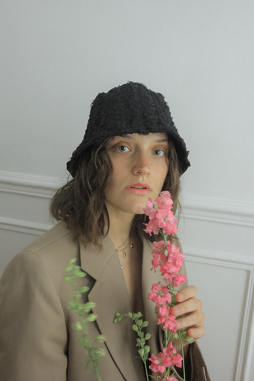 [Born to be loved] lace bucket hat in black
