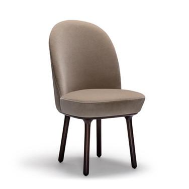 Beetley Chair: Wooden Legs