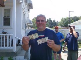 Gary winning the acepot Greenside Open 2011.JPG