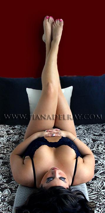 Tiana Delray model escort legs.png