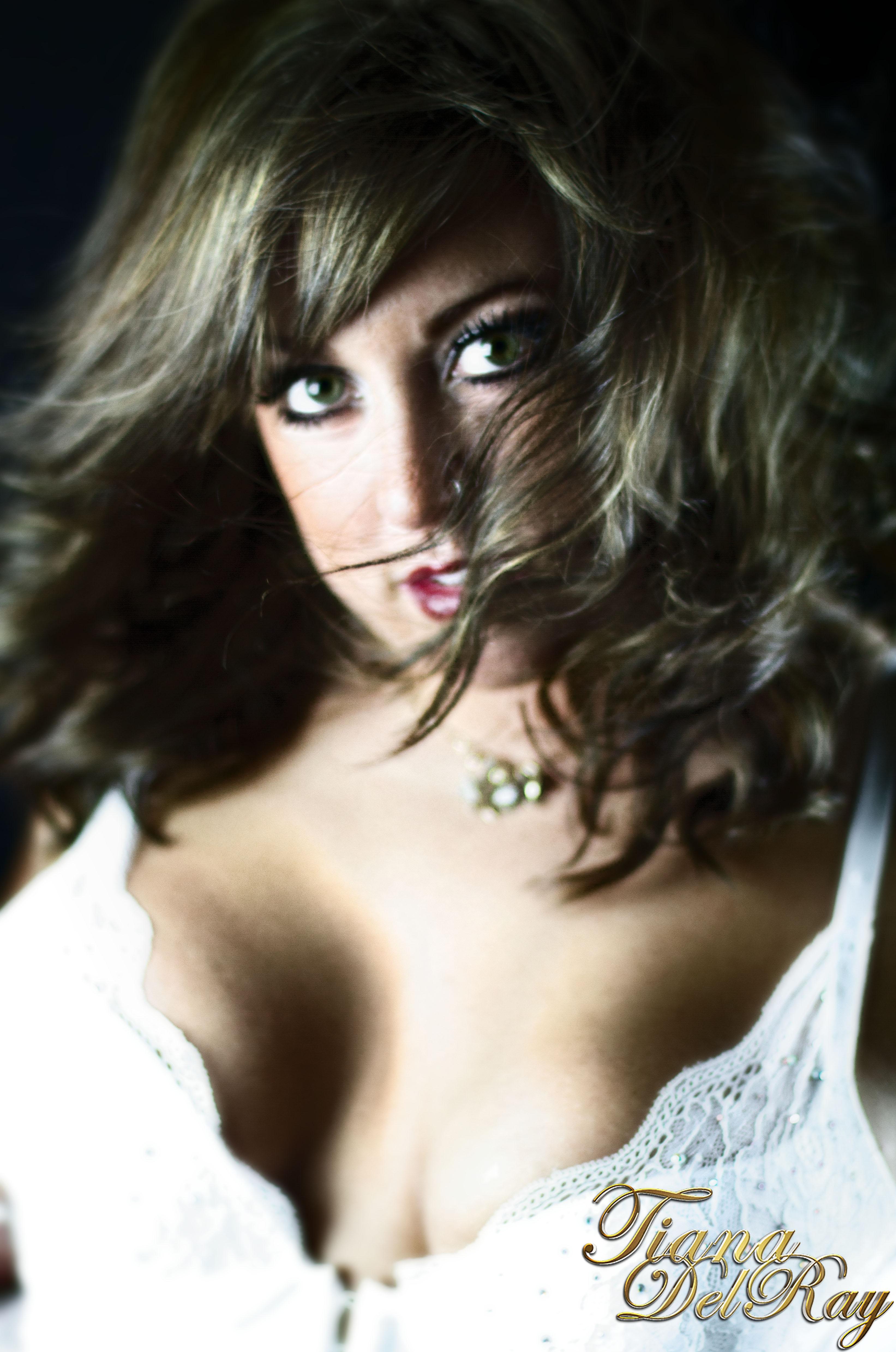 tiana delray calgary escort.jpg