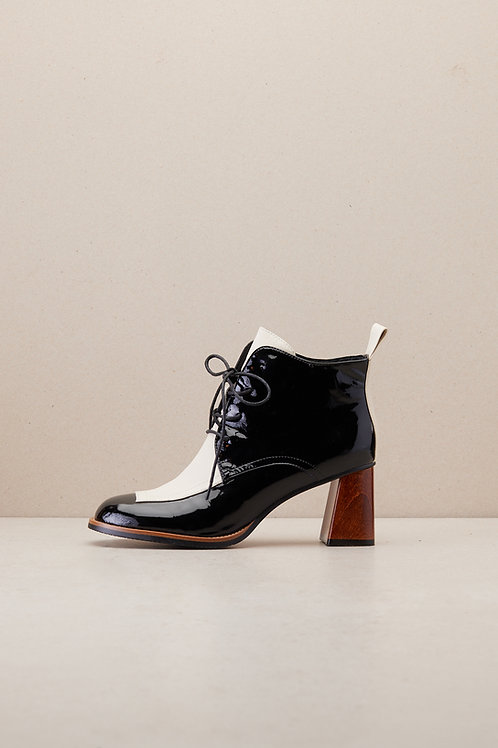 ANKLE BOOTS WITH WOODEN HEEL DETAIL