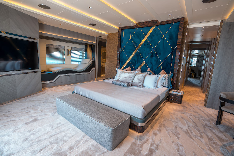 Owner Deck- Master Cabin (1).jpg