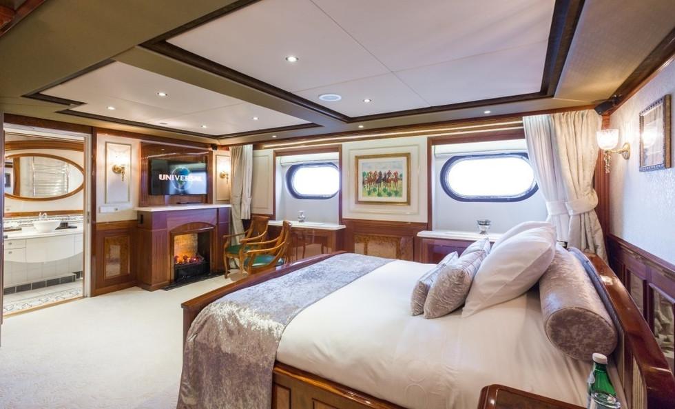 [77m-Yacht-LEGEND]-296-23.jpg