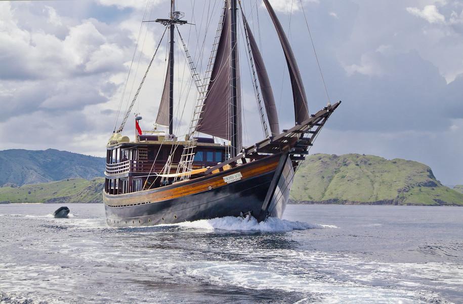 [51m-Yacht-DUNIA-BARU]-9212-78.jpg