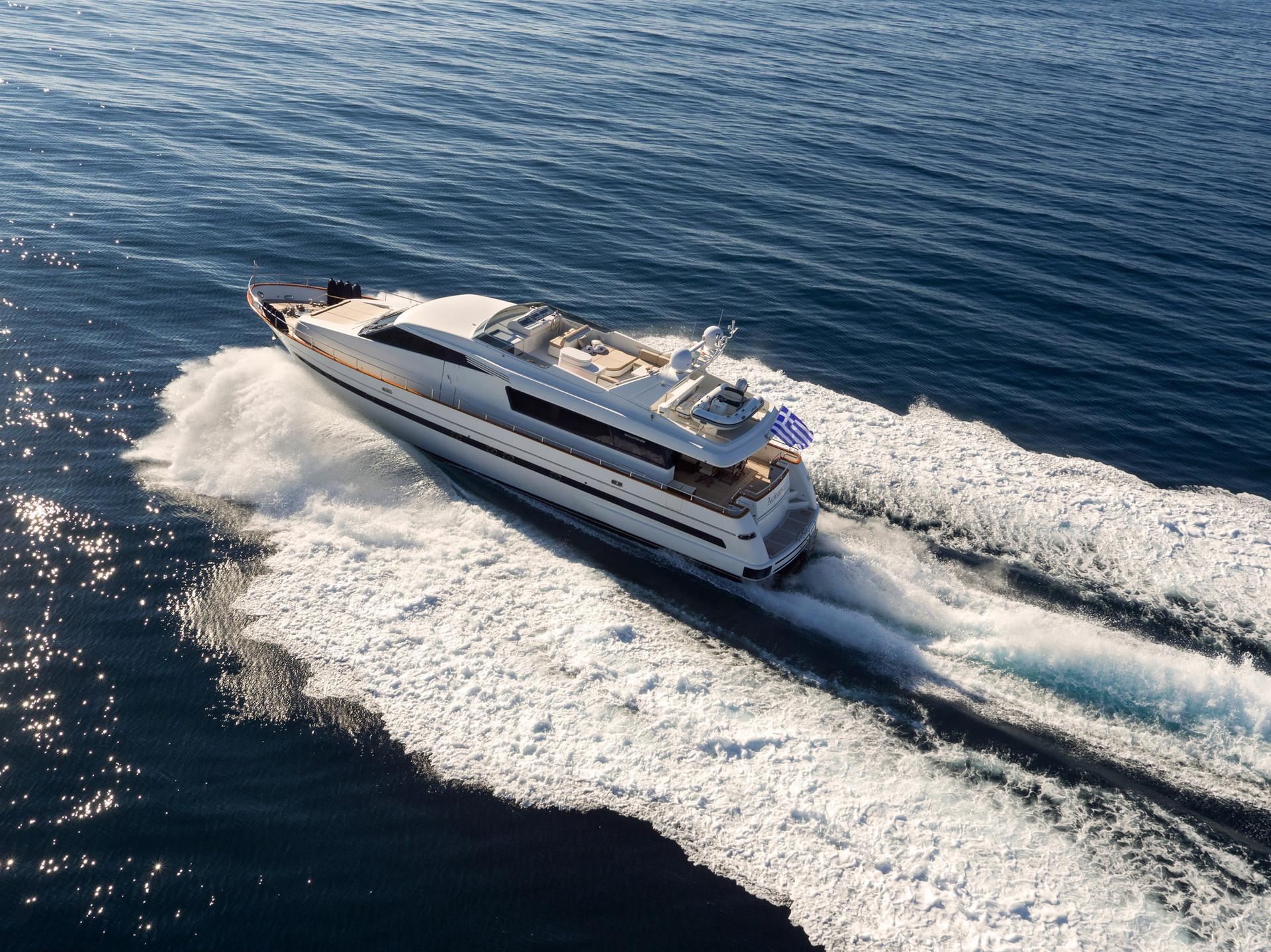 Yacht ACIONNA by San Lorenzo - up.jpg