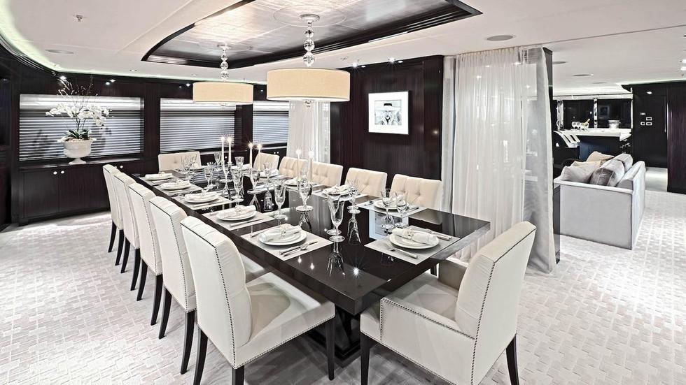 Dining area  00002.jpg