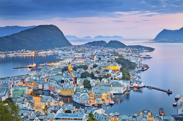 norwegian city of Alesund.jpg