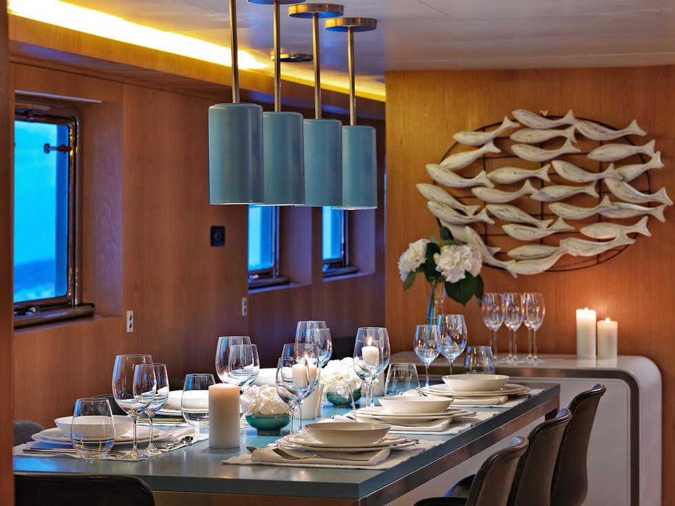 HAPPY DAY interior dining.jpg