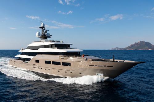 Mega yacht SOLO - Photo Credit Blueiprod
