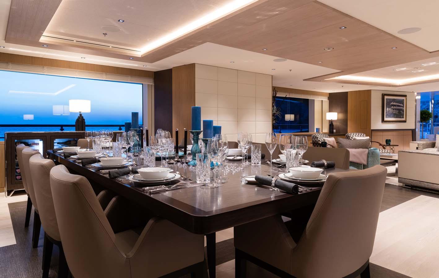 main deck dining table.jpg