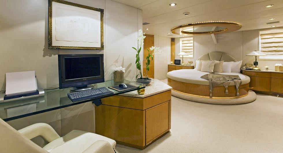 [36m-Yacht-MOONRAKER]-5781-148.jpg