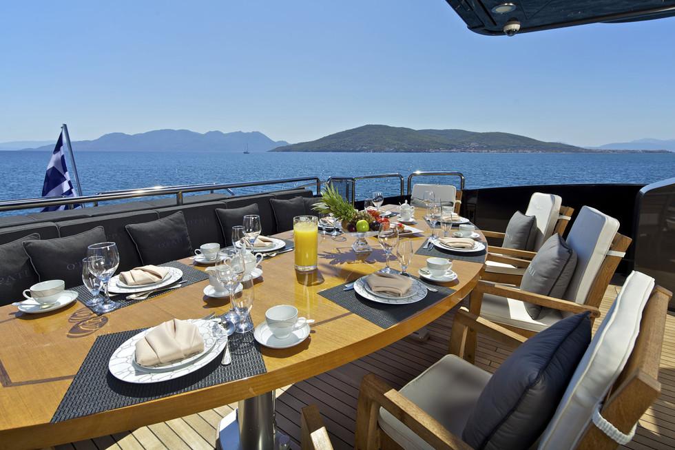Breakfast al fresco on the aft deck.jpg