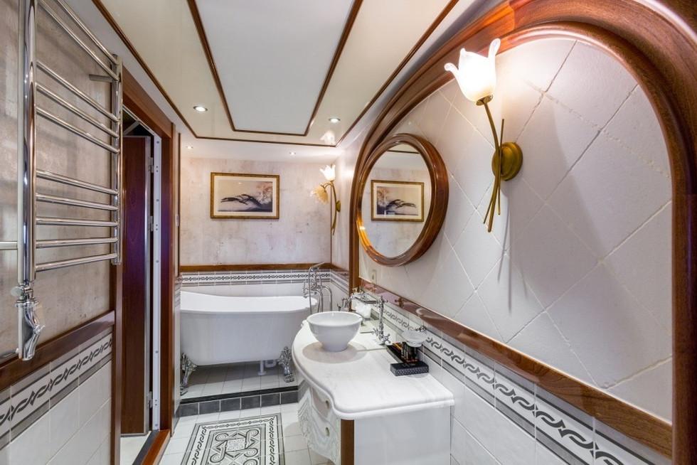 [77m-Yacht-LEGEND]-296-70.jpg