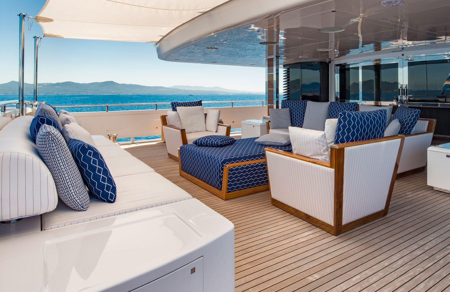 Aft deck seating.jpg