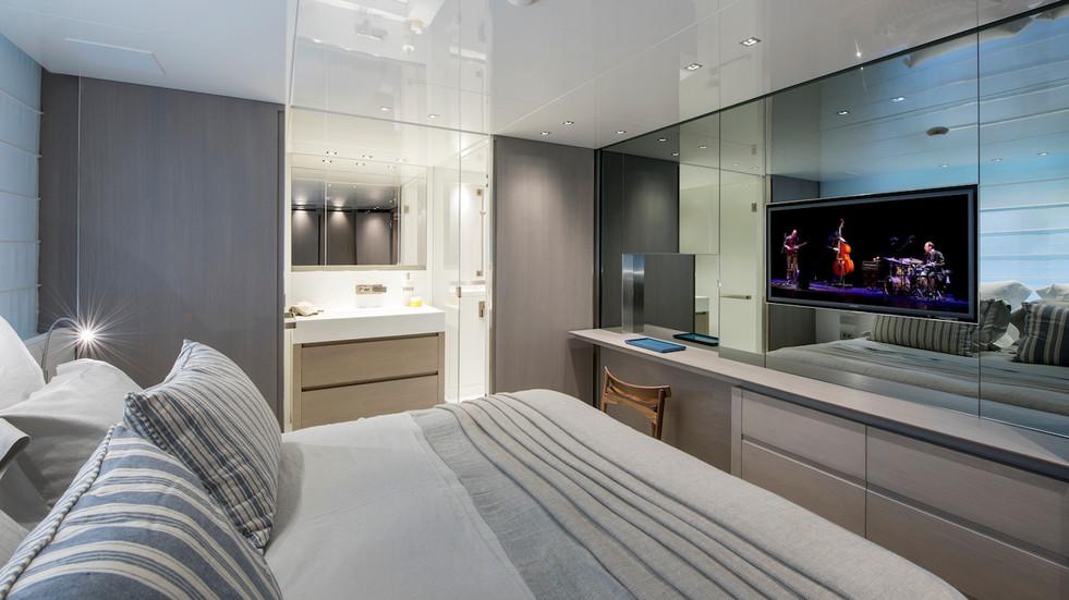 starboard VIP cabin.jpg