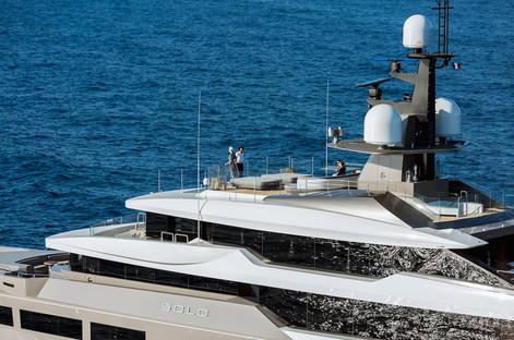 lifestyle on sun deck .jpg