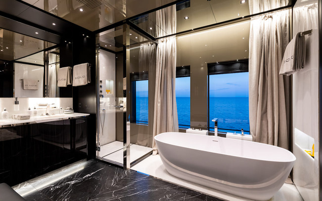 Master ensuite bathroom - Photo Credit B