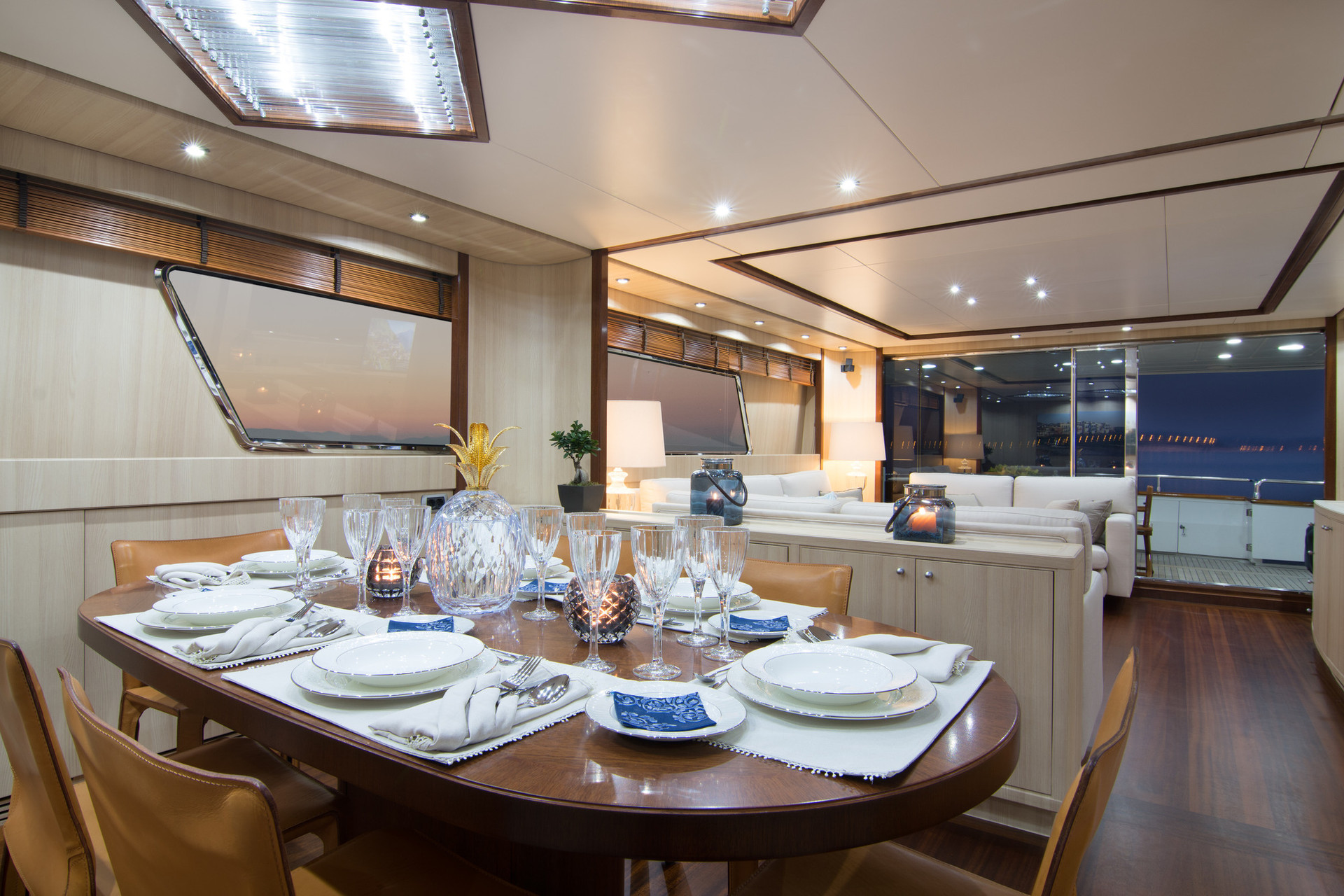 Yacht ACIONNA by San Lorenzo - dining.jp
