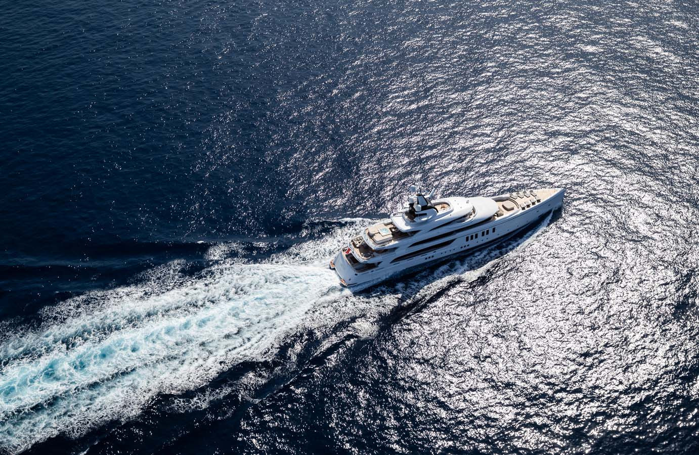 running_aerial_view_of_the_yacht_-__Phot