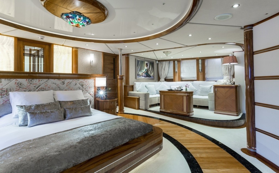 [77m-Yacht-LEGEND]-296-28.jpg