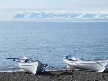 artic 2 boats.jpg