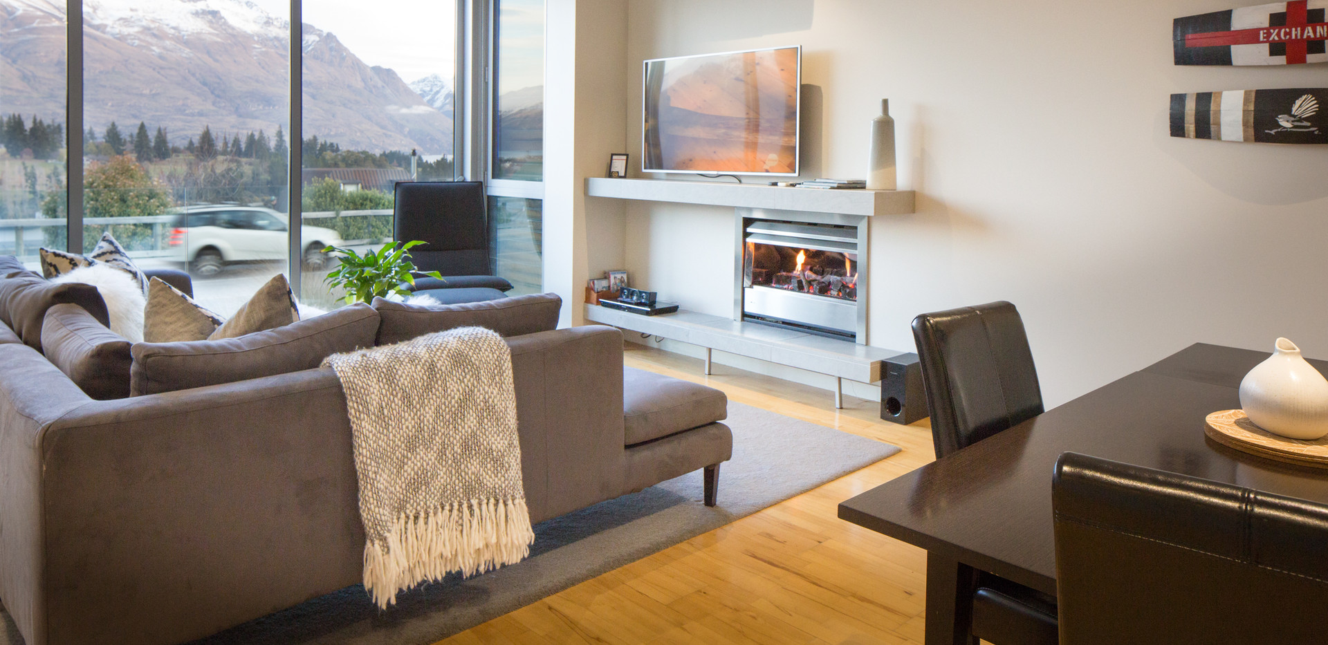 QS Jade 216 ExclusiveJade: 2 Bedroom Lake View Apartment, Queenstown Stays