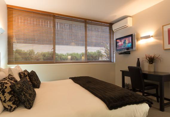 Jade: 2 Bedroom Lake View Apartment, Queenstown Stays