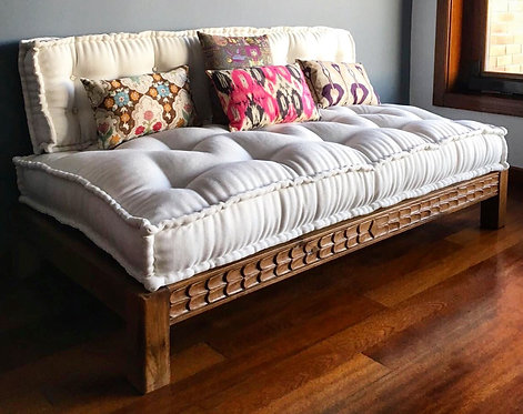 Handmade Oak Daybed with Carved Front Seat Rail