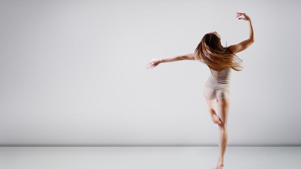 Dançarino de bailado adolescente
