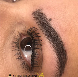 Uperfect brows by anna microblading