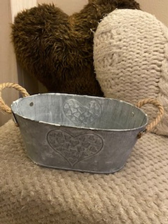 Zinc embossed heart trough with rope handles 25cm